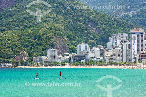 Praticante de Stand up paddle na Praia de Ipanema  - Rio de Janeiro - Rio de Janeiro (RJ) - Brasil