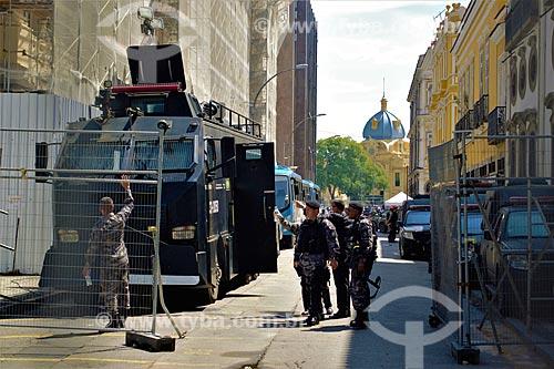 Policiais do Batalhão de Operações Especiais (BOPE) no cordão de isolamento na Assembléia Legislativa do Estado do Rio de Janeiro (ALERJ) durante Protesto de servidores públicos  - Rio de Janeiro - Rio de Janeiro (RJ) - Brasil