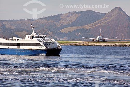 Barca Zeus I - utilizada na travessia entre Rio de Janeiro e Niterói - próxima à pista do Aeroporto Santos Dumont  - Rio de Janeiro - Rio de Janeiro (RJ) - Brasil