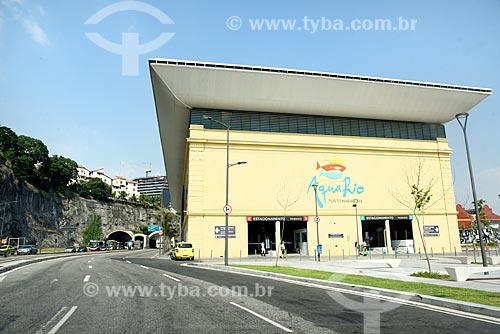 Vista do AquaRio - aquário marinho da cidade do Rio de Janeiro - com o Túnel Arquiteta Nina Rabha - mais conhecido como Túnel da Saúde - ao fundo  - Rio de Janeiro - Rio de Janeiro (RJ) - Brasil