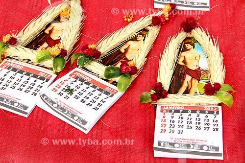 Souvenirs à venda na Paróquia de São Sebastião dos Frades Capuchinhos durante a procissão em celebração à São Sebastião  - Rio de Janeiro - Rio de Janeiro (RJ) - Brasil