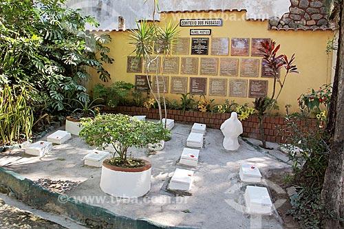 Interior do Cemitério dos Pássaros na Ilha de Paquetá  - Rio de Janeiro - Rio de Janeiro (RJ) - Brasil