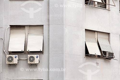 Parede externa de prédio na Cinelândia com ar-condicionado tipo split  - Rio de Janeiro - Rio de Janeiro (RJ) - Brasil
