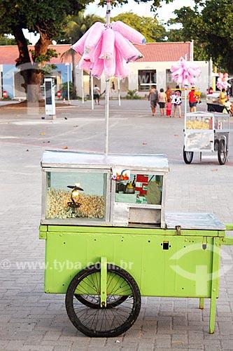 Carro de pipoca e algodão-doce no calçadão da Praia de Tambaú  - João Pessoa - Paraíba (PB) - Brasil
