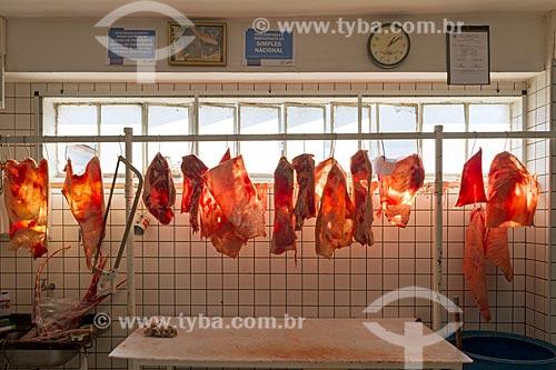 Carne de porco exposta em açougue - Mercado Municipal de Pouso Alegre  - Pouso Alegre - Minas Gerais (MG) - Brasil