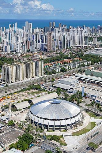 Foto aérea do Ginásio de Esportes Geraldo Magalhães (1970) com prédios do bairro de Boa Viagem ao fundo  - Recife - Pernambuco (PE) - Brasil