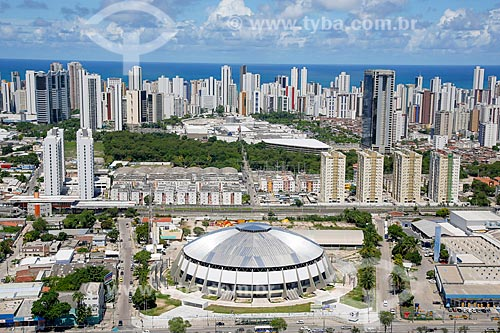 Foto aérea do Ginásio de Esportes Geraldo Magalhães (1970) com os prédios de Boa Viagem ao fundo  - Recife - Pernambuco (PE) - Brasil