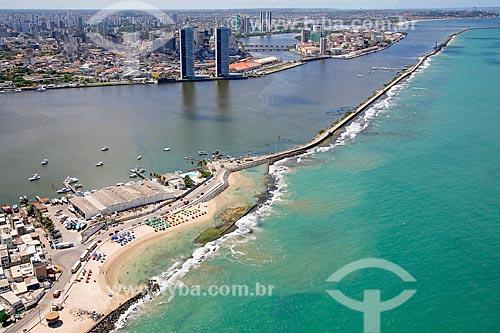 Foto aérea do Iate Clube do Recife com o estuário do Porto de Recife ao fundo  - Recife - Pernambuco (PE) - Brasil