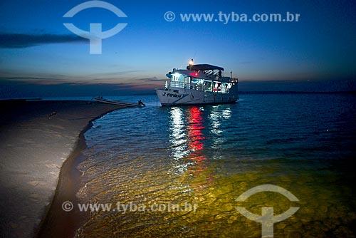 Barco de transporte de passageiros no Rio Arapiuns  - Santarém - Pará (PA) - Brasil