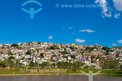 Vista da Barragem Santa Lúcia com o Morro do Papagaio ao fundo  - Belo Horizonte - Minas Gerais (MG) - Brasil