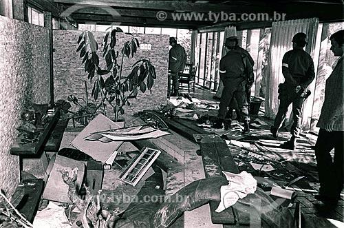 Detalhe de destruição no interior da casa de Pablo Neruda logo após a declaração de Regime Militar por Augusto Pinochet  - Santiago - Província de Santiago - Chile