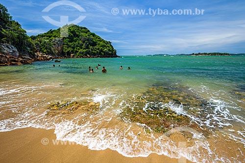Banhistas na Praia Rasa  - Armação dos Búzios - Rio de Janeiro (RJ) - Brasil