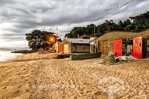 Rancho de pescadores na Praia da Tapera ao anoitecer  - Florianópolis - Santa Catarina (SC) - Brasil