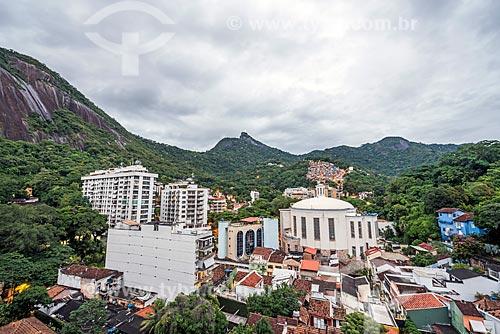 Vista da Paróquia São Judas Tadeu com o Cristo Redentor ao fundo  - Rio de Janeiro - Rio de Janeiro (RJ) - Brasil
