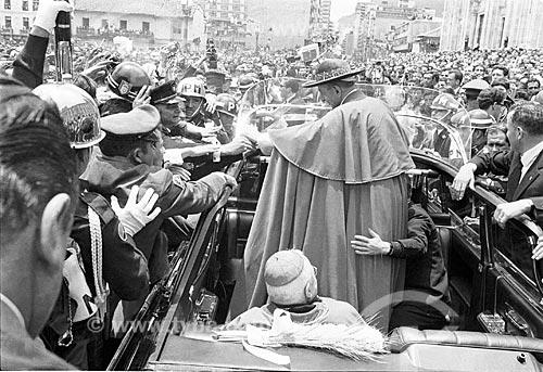 Desfile em carro aberto do Papa Paulo VI durante o 39º Congresso Eucarístico Internacional  - Bogotá - Departamento de Cundinamarca - Colômbia