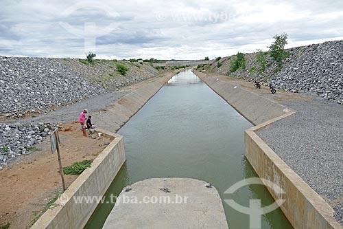 Canal de irrigação do Projeto de Integração do Rio São Francisco com as bacias hidrográficas do Nordeste Setentrional  - Monteiro - Paraíba (PB) - Brasil