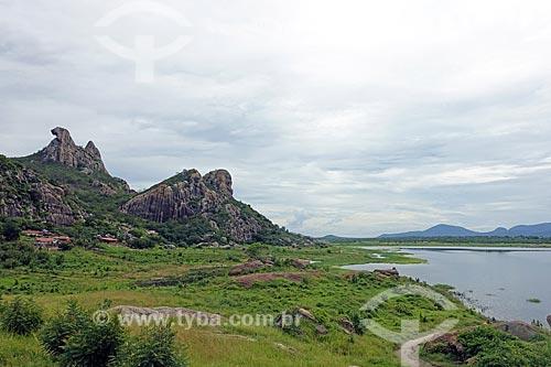 Vista da Pedra da Galinha Choca no Açude do Cedro  - Quixadá - Ceará (CE) - Brasil