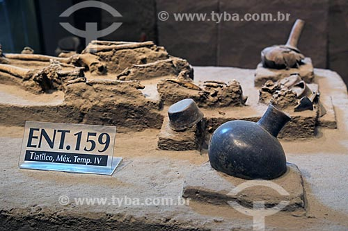 Artefatos do sítio arqueológico En Tlatilco - parte da coleção Planalto Central Preclássico do Museo Nacional de Antropología (Museu Nacional de Antropologia do México)  - Cidade do México - Distrito Federal - México