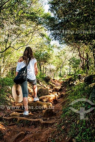 Trilha para a Praia de Naufragados na Parque Estadual da Serra do Tabuleiro  - Florianópolis - Santa Catarina (SC) - Brasil