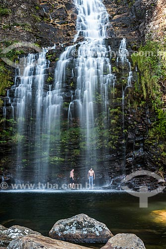 Banhistas na Cachoeira da Farofa - Parque Nacional da Serra do Cipó  - Santana do Riacho - Minas Gerais (MG) - Brasil