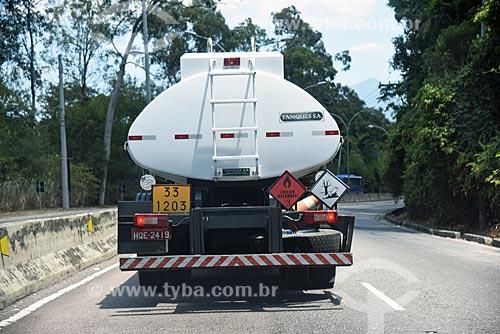 Detalhe de caminhão-tanque  - Rio de Janeiro - Rio de Janeiro (RJ) - Brasil
