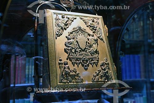 Livro de Ouro em homenagem ao presidente Eduardo de Lemos em exibição no Real Gabinete Português de Leitura (1887)  - Rio de Janeiro - Rio de Janeiro (RJ) - Brasil
