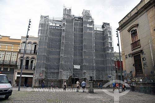 Detalhe da fachada do Real Gabinete Português de Leitura durante reforma  - Rio de Janeiro - Rio de Janeiro (RJ) - Brasil