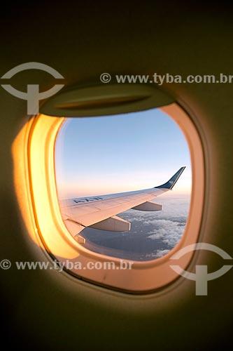 Detalhe de asa de avião sobrevoando o Rio de Janeiro  - Rio de Janeiro - Rio de Janeiro (RJ) - Brasil