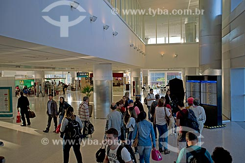 Passageiros no interior do Aeroporto Internacional de Viracopos  - Campinas - São Paulo (SP) - Brasil