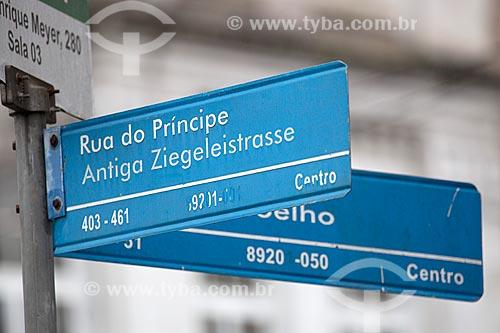 Placa com o nome da Rua do Principe  - Joinville - Santa Catarina (SC) - Brasil
