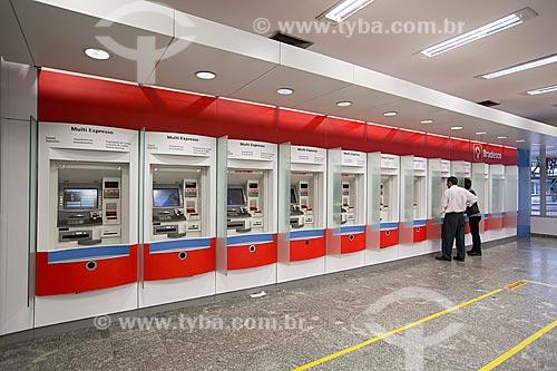 Caixa eletrônico no interior na agência bancária do Banco Bradesco  - Joinville - Santa Catarina (SC) - Brasil