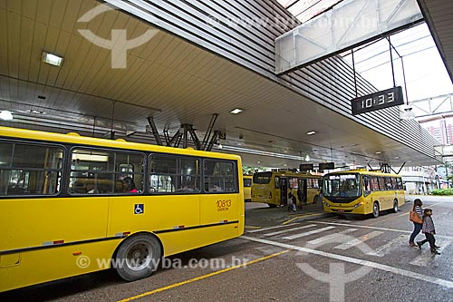 Ônibus na Estação Rodoviária Harold Nielson  - Joinville - Santa Catarina (SC) - Brasil