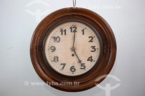 Relógio antigo em exibição no Estação Museu da Memória - antiga Estação Ferroviária de Joinville  - Joinville - Santa Catarina (SC) - Brasil