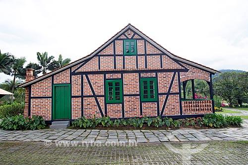 Fachada lateral do Museu Casa do Imigrante Carl Weege  - Pomerode - Santa Catarina (SC) - Brasil