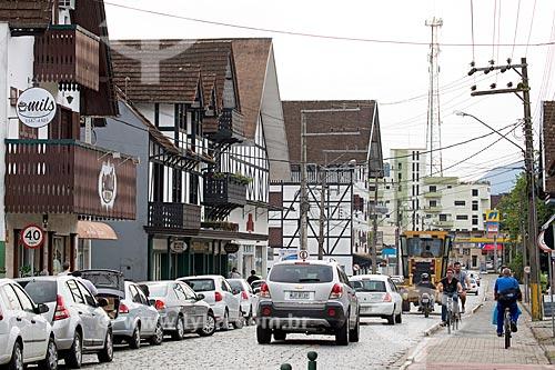 Tráfego na Rua Luiz Abry  - Pomerode - Santa Catarina (SC) - Brasil