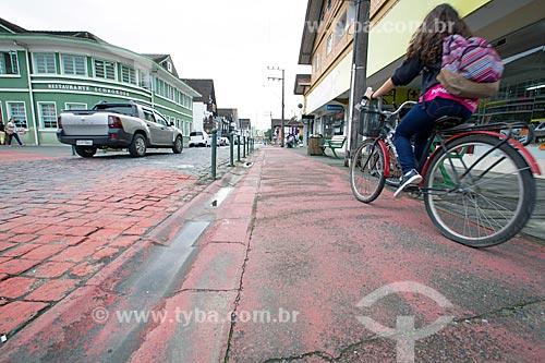 Ciclovia na Rua Luiz Abry  - Pomerode - Santa Catarina (SC) - Brasil