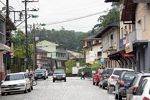 Tráfego na Rua Henrique Conrad  - Blumenau - Santa Catarina (SC) - Brasil