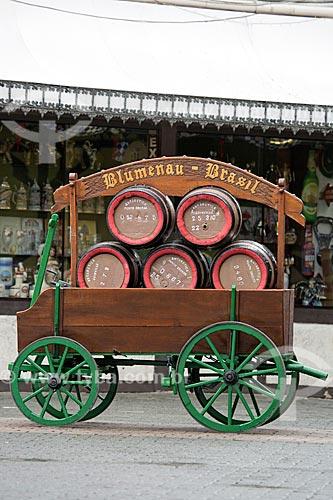 Carroça com tonéis de cerveja no Parque Vila Germânica  - Blumenau - Santa Catarina (SC) - Brasil