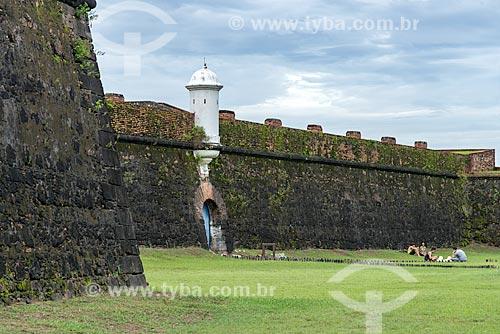 Vista de muro e posto de observação da Fortaleza de São José de Macapá (1754)  - Macapá - Amapá (AP) - Brasil