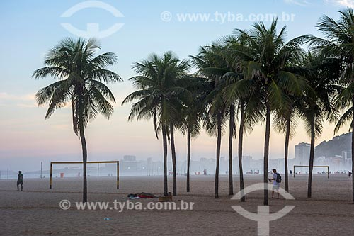 Vista do pôr do sol na Praia de Copacabana  - Rio de Janeiro - Rio de Janeiro (RJ) - Brasil