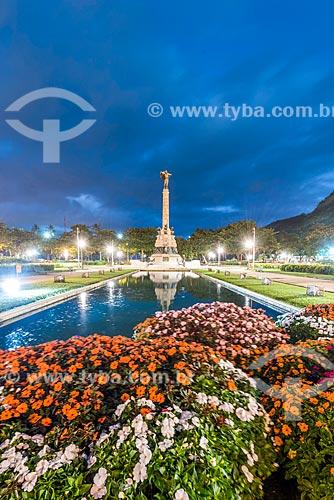 Entardecer na Praça General Tibúrcio com o Monumento aos Heróis da Batalha de Laguna e Dourados ao fundo  - Rio de Janeiro - Rio de Janeiro (RJ) - Brasil