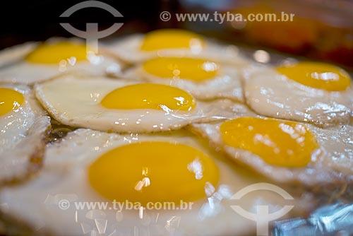 Detalhe de ovo frito em restaurante  - Canela - Rio Grande do Sul (RS) - Brasil