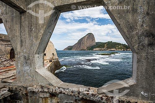Vista do Pão de Açúcar a partir da passarela do Forte Tamandaré da Laje (1555)  - Rio de Janeiro - Rio de Janeiro (RJ) - Brasil