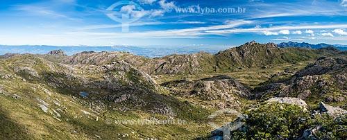 Vista do Morro do Couto a partir da trilha da Pedra do Altar no Parque Nacional de Itatiaia  - Itatiaia - Rio de Janeiro (RJ) - Brasil