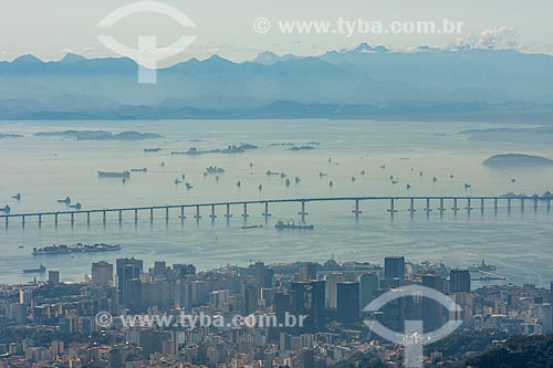 Vista da Ponte Rio-Niterói (1974) a partir do mirante do Cristo Redentor  - Rio de Janeiro - Rio de Janeiro (RJ) - Brasil