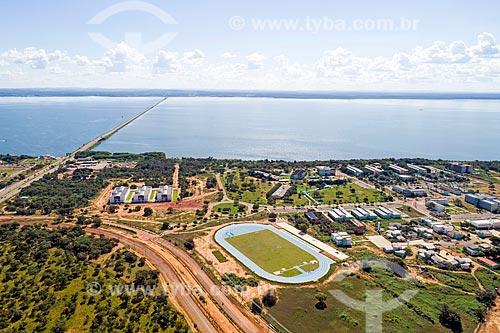 Foto aérea do campus da Universidade Federal do Tocantins com a Ponte Fernando Henrique Cardoso (2002) - também conhecida como Ponte da Amizade e da Integração - ao fundo  - Palmas - Tocantins (TO) - Brasil