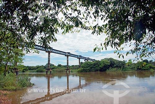 Passarela sobre o Rio do Sono - divisa natural entre as cidades de Pedro Afonso e Bom Jesus do Tocantins  - Pedro Afonso - Tocantins (TO) - Brasil