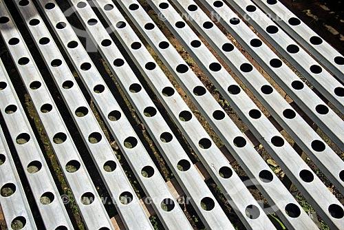 Detalhe de tubos para viveiro em estufa de horta hidropônica  - Palmas - Tocantins (TO) - Brasil