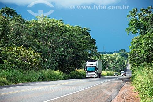 Tráfego em trecho da Rodovia Transbrasiliana (BR-153) - também conhecida como Rodovia Belém-Brasília e Rodovia Bernardo Sayão  - Miranorte - Tocantins (TO) - Brasil