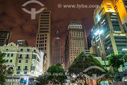 Vista dos edifícios do Banco do Brasil - à direita -  Edifício Altino Arantes (1947) - mais conhecido como Edifício Banespa - e o Edifício Martinelli - à esquerda  - São Paulo - São Paulo (SP) - Brasil